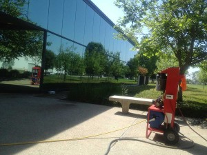 commercial window cleaning in visalia